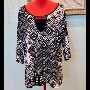 Judith cream & black patterned top in a size 3X